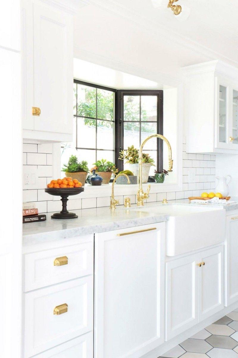 Wohnideen Wasserhahn Gold Küche weiße Schränke