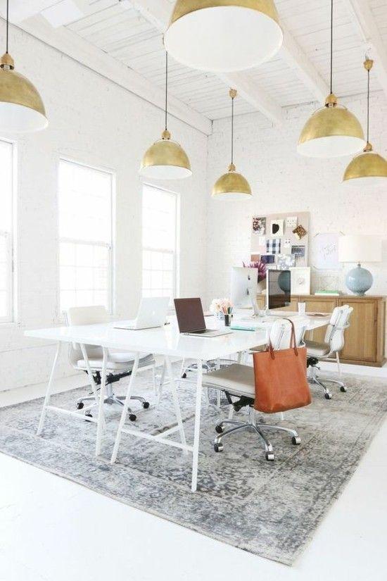 bequemes Home Office Pendelleuchte weißer Schreibtisch