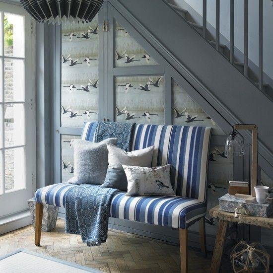 bequemes Sofa blaue Streifen Maritime Deko Ideen