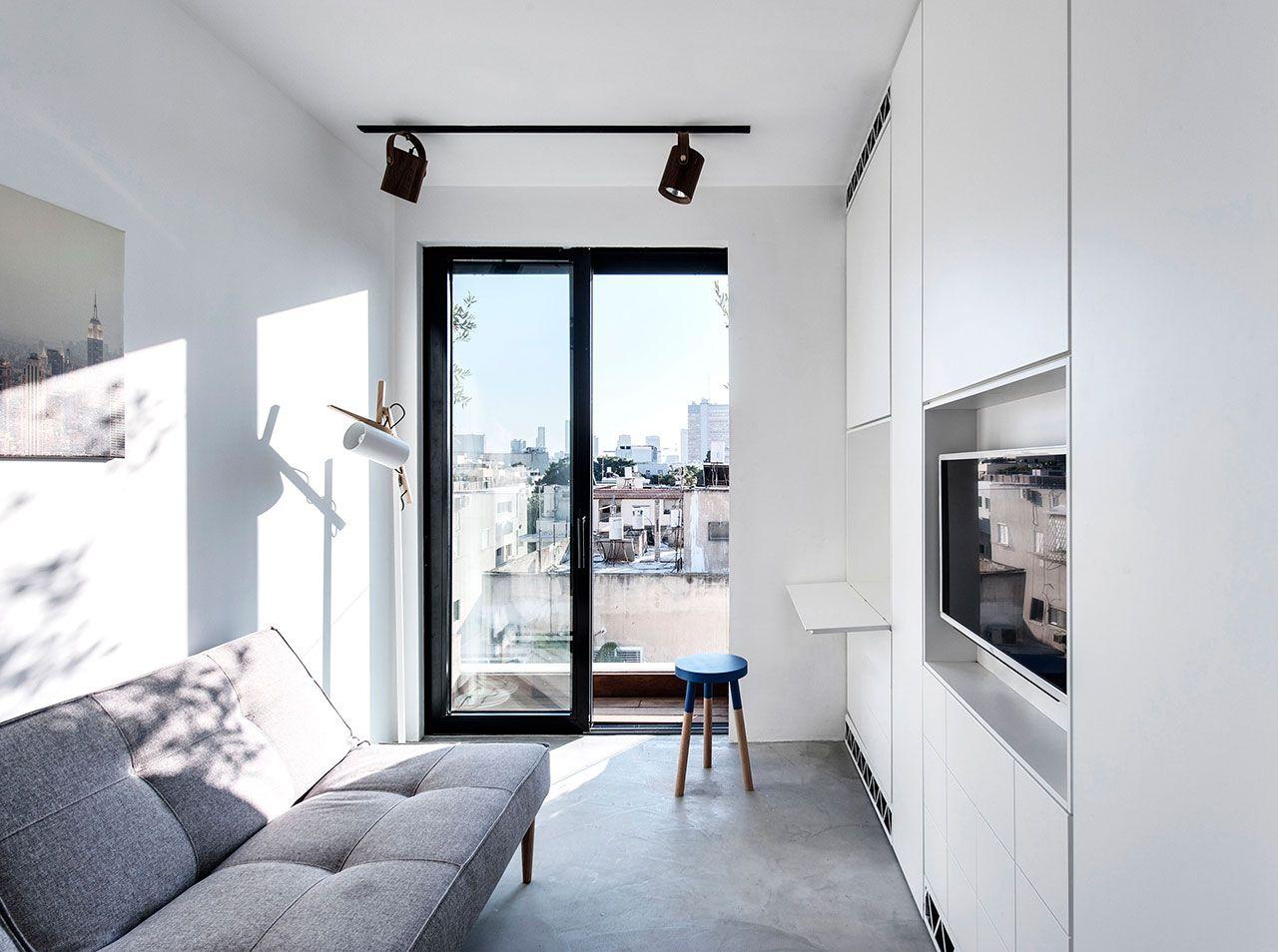 kleines Wohnzimmer Gestaltungsideen weiße Möbel graue Sofa