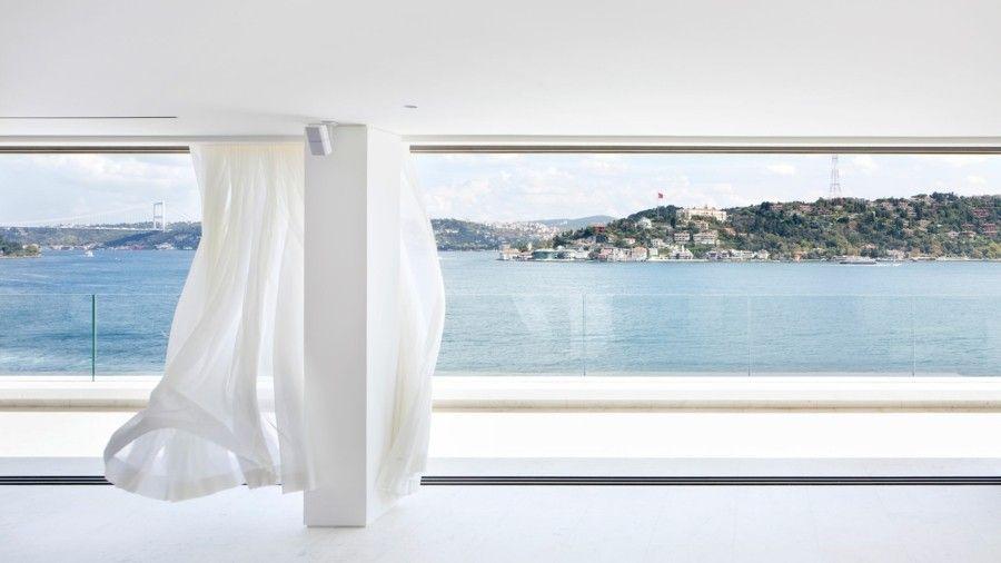 nahtlose Geländer Balkongestaltung Panoramafenster weiße Gardine