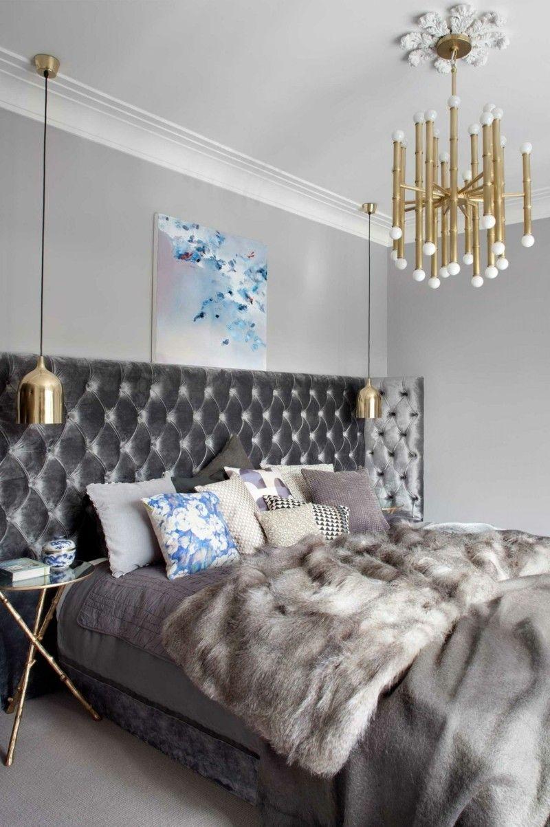 stilvolles Schlafzimmer in Grau Wohnideen Hinterkopf gepolstert goldene Lampe