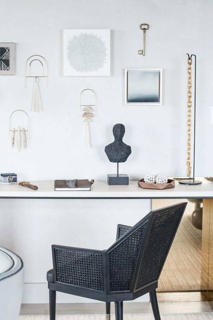 trendige Einrichtungsideen Objet d'Art Kunstwerke schwarzes Sessel