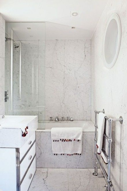 badewanne-wandverkleidung-marmor-badezimmer