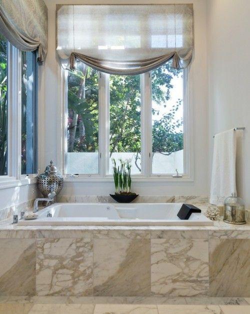badezimmer-fliesen-badewanne-marmor