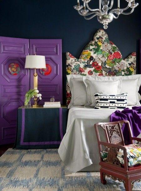 design-schlafzimmer-bunt-lila-leuchte-tischlampe
