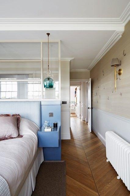 holzboden-pendelleuchte-schlafzimmer-modern