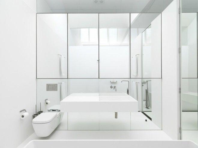 ideen-badezimmer-weiss-spiegelwand