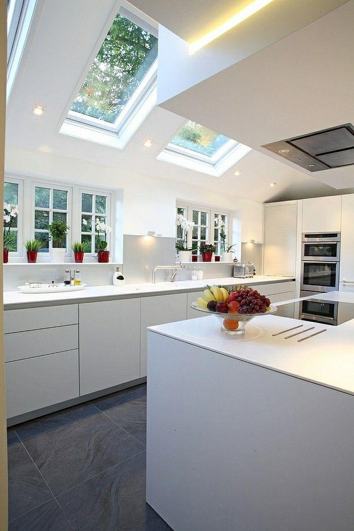 kuche-im-skandinavischen-stil-skylight-dachfenster