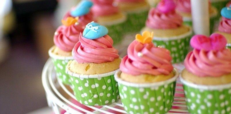 kindergeburtstag-feiern-cupcakes-dekorierte-muffins-resized