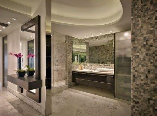 kronleuchte-badezimmer-fliesen-marmor