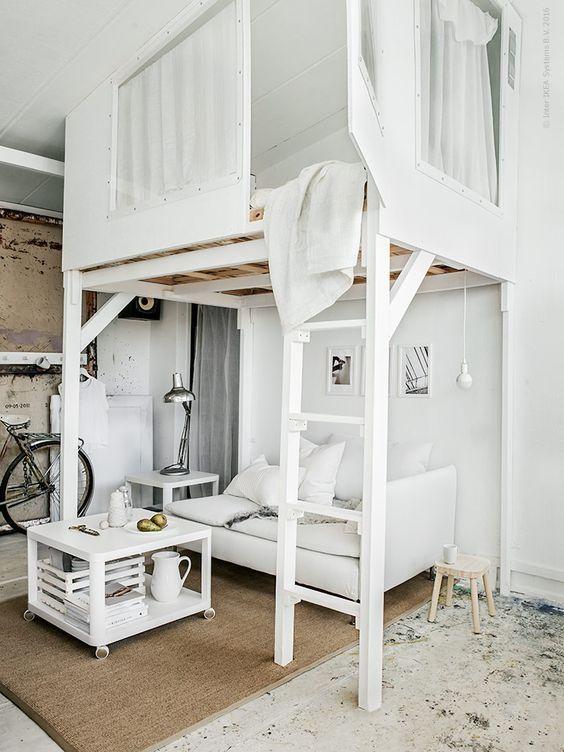 modernes-weiss-schlafzimmer-hochbett-mit-treppe