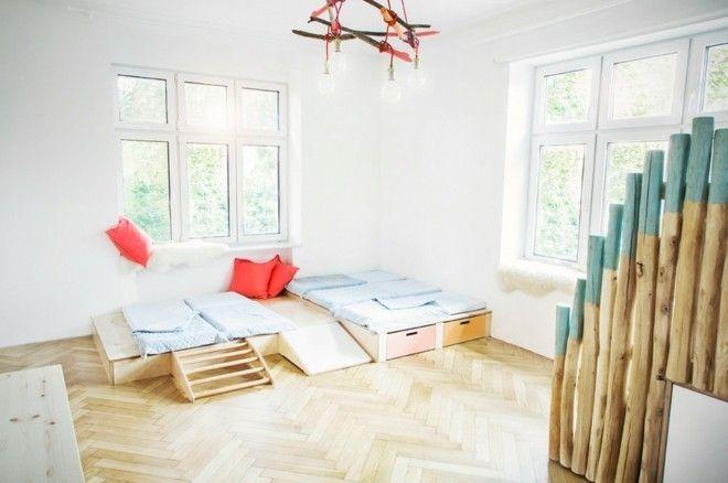 neutrale-moderne-kinderzimmer-mit-schlafplatz