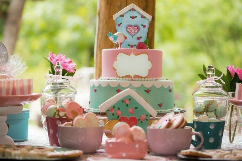 susigkeiten-torte-tisch-deko-kindergeburtstag-feiern-resized