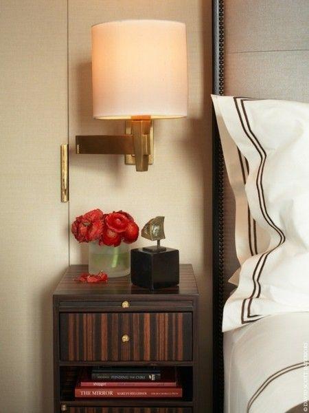 schlafzimmer-leuchte-wandlampe-rote-akzente