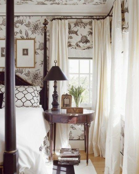 schlafzimmer-im-klassischen-stil-leuchte-tischlampe