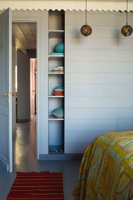 schlafzimmer-modern-japanischer-stil-kleiderschrank-mit-schiebeturen