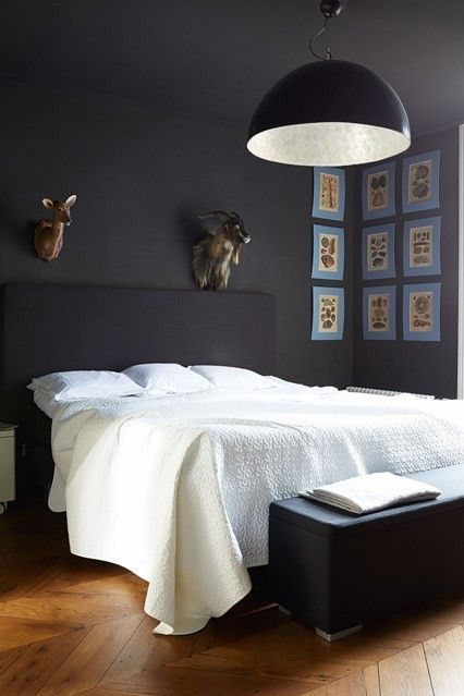 Schlafzimmer Modern Stilvoll Indutrielle Lampe Schwarze Wande