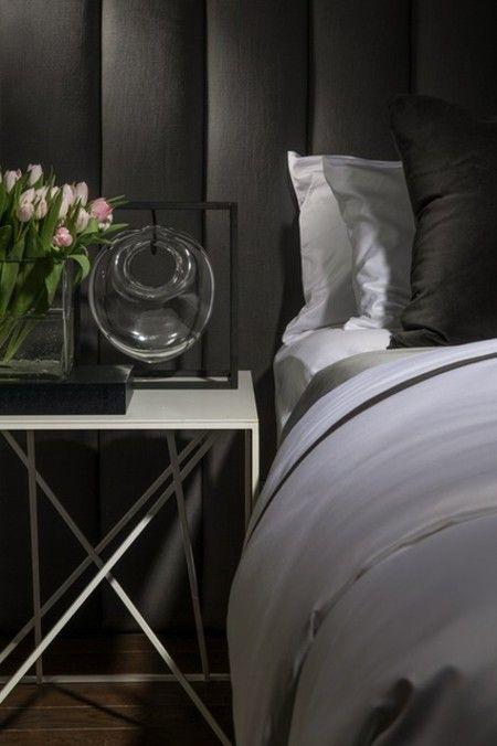 wandgestaltung-schwarz-schlafzimmer-leuchte-stilvoll-luxurios