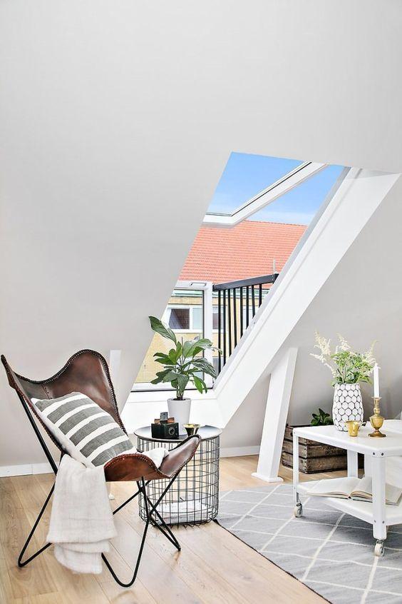 wohnzimmer-leseecke-gestalten-dachfenster-mansarde