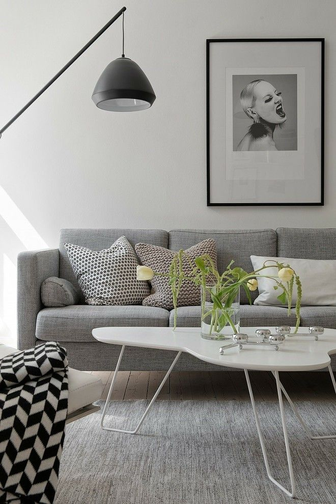 wohnzimmer-ideen-weis-hochglanz-graue-mobel