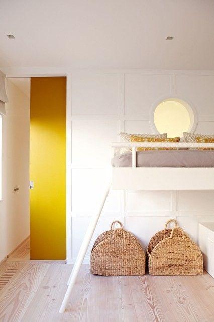 gelbe-tur-korbe-schlafzimmer-modern