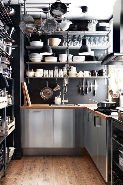 kleine-kuche-regale-indutriell-edelstahl-kuchenschrank