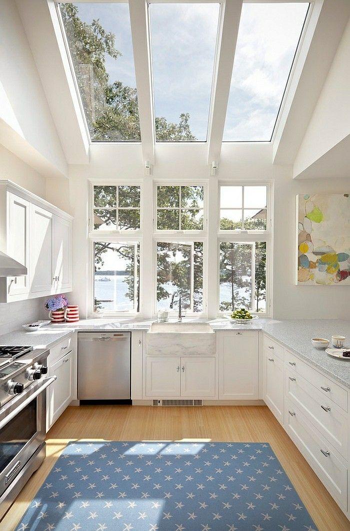 kleine-kuche-einrichten-skylight-dachfenster-tageslicht