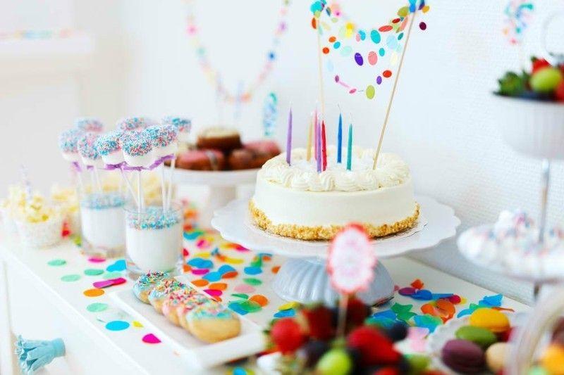 kreative-deko-ideen-kindergeburtstag-feiern-torte-resized