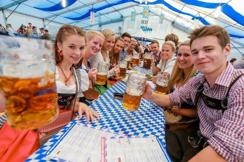 oktoberfest-kleidung-bier-spas-mehrheit