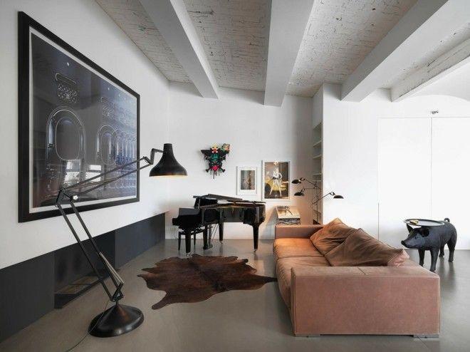 schwarze-stehelampe-wohnzimmer-einrichten-beistelltisch-schwein-industriell-flugel