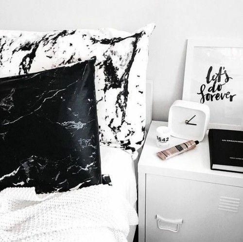bettwasche-marmor-kissenbezug-nachttisch-schlafzimmer
