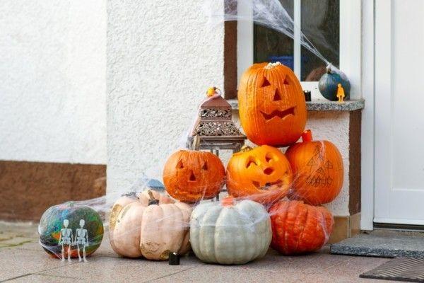 halloween-deko-am-hauseingang