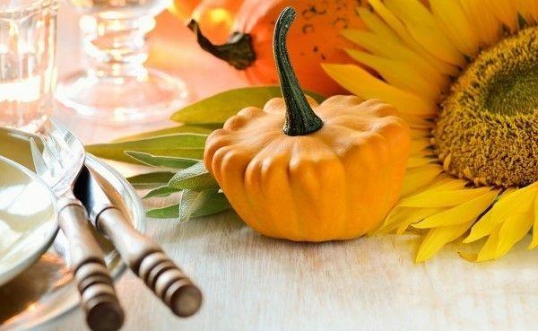 halloween-tischdekoration-mit-kurbis