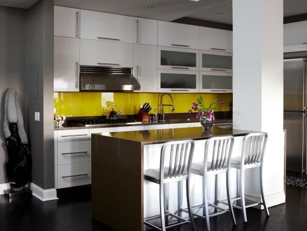 20 auff llige k chenspiegel die ihr k chendesign mal anders aussehen lassen. Black Bedroom Furniture Sets. Home Design Ideas
