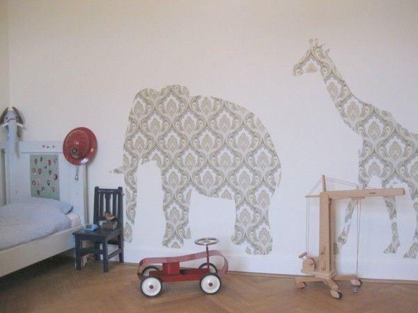 kinderzimmer-mit-wandtattoos-in-damask-optik