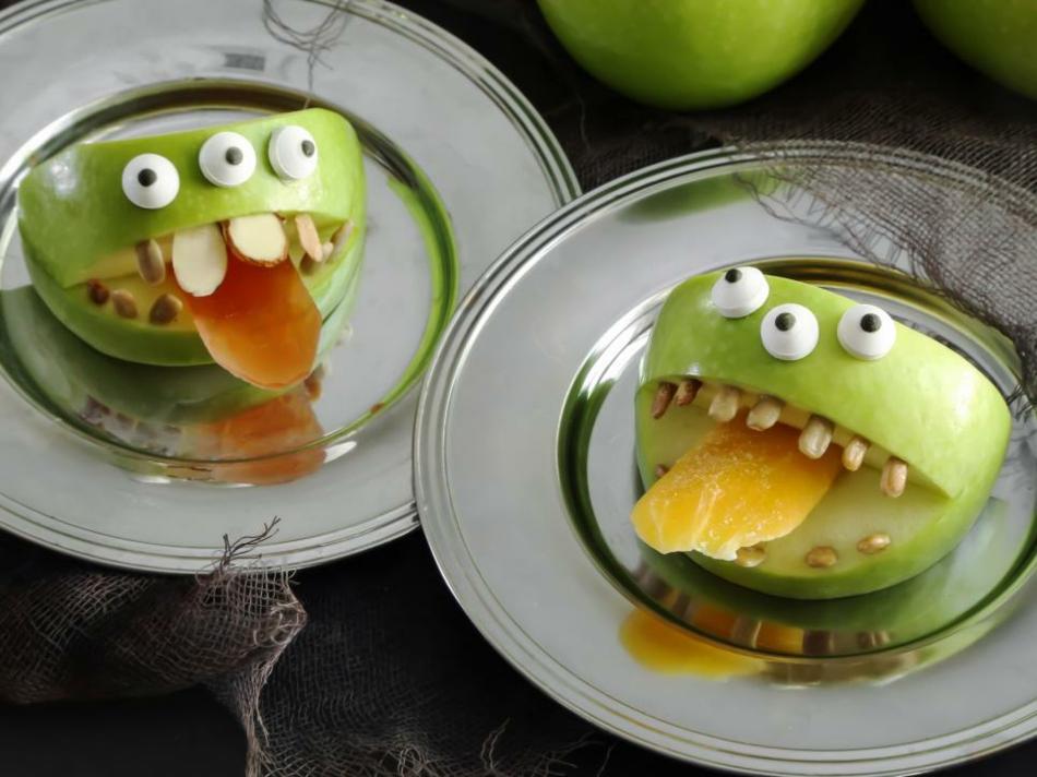 kleine-beangstigende-monster-aus-apfeln-halloween-deko