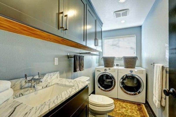 kleines-bad-mit-waschmaschine-und-trockner