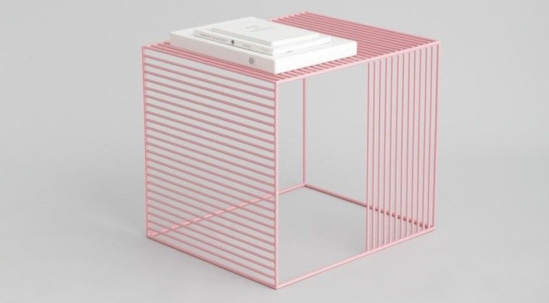 mobelstuck-in-rosenquarz-wohnzimmer-tisch