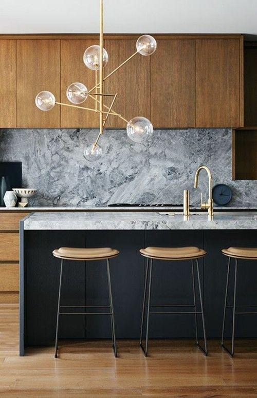 marmor-kuchenruckwand-kucheninsel
