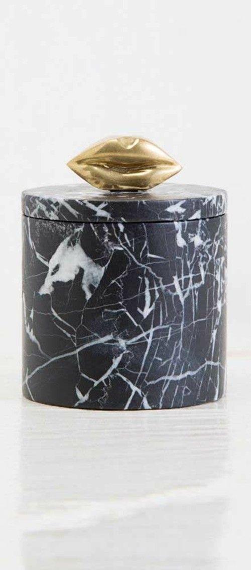 marmor-schwarz-box-dekorativ-kuss