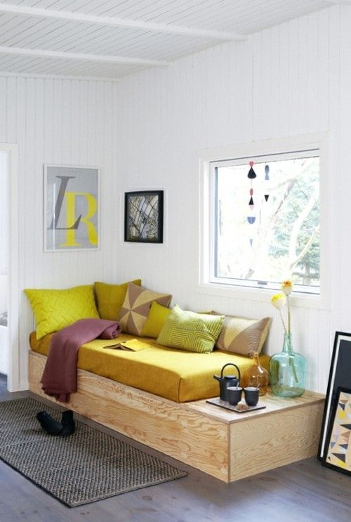 moderne-tagesliege-holz-wohnzimmer