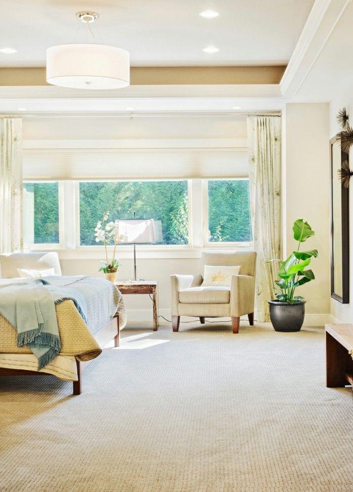 schones-schlafzimmer-im-luxurios-eingerichteten-haus