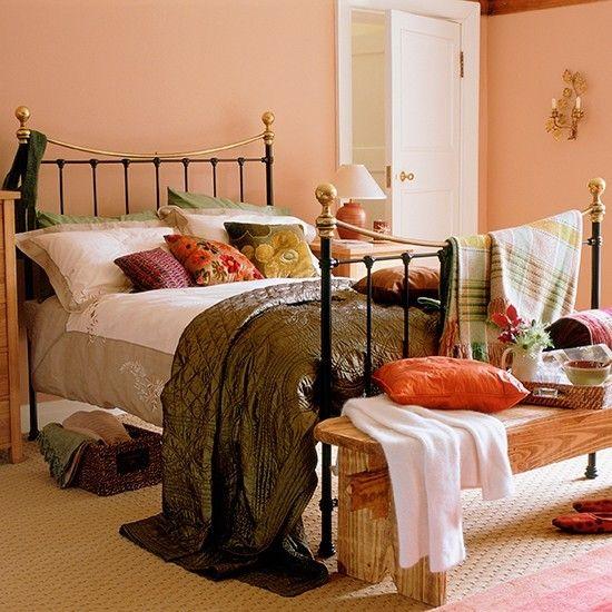 schlafzimmer-in-neutralen-herbsttonen