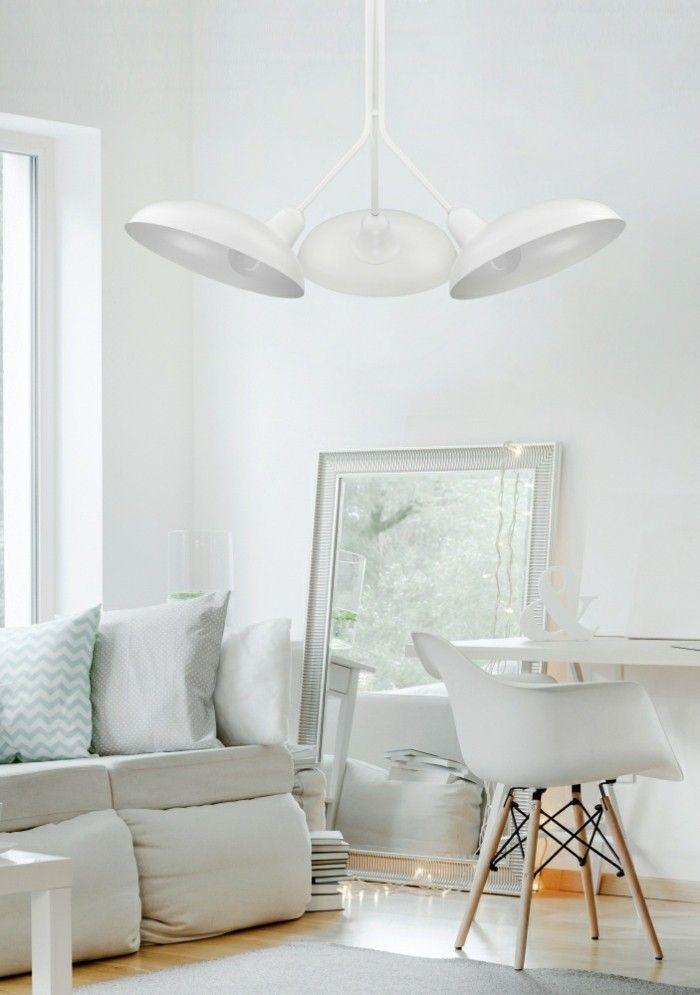 weises-wohnzimmer-minimalismus-relaxsessel