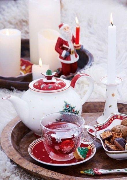 ein-weihnachts-teeservice-ist-ideal-fur-ihre-tee-party-in-der-vorweihnachtszeit