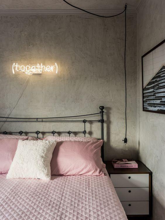 einrichtung-im-industriellen-stil-flair-in-rosa