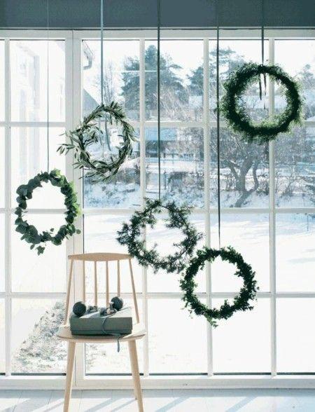 grune-kranze-weihnachtsschmuck