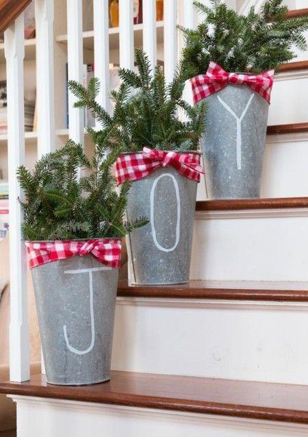 weihnachtsschmuck macht die wohnung gem tlicher und. Black Bedroom Furniture Sets. Home Design Ideas