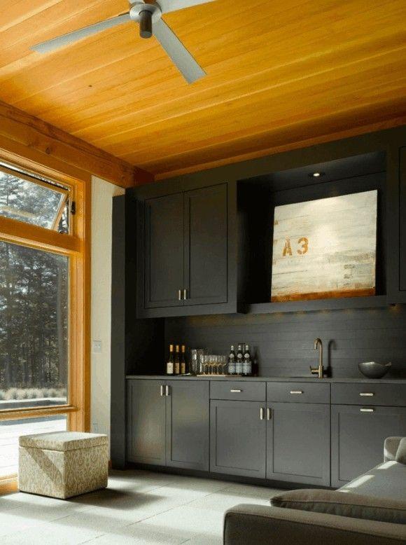 kuche-schwarz-holz-minimalistisch-design-moderne-kuchen-bilder